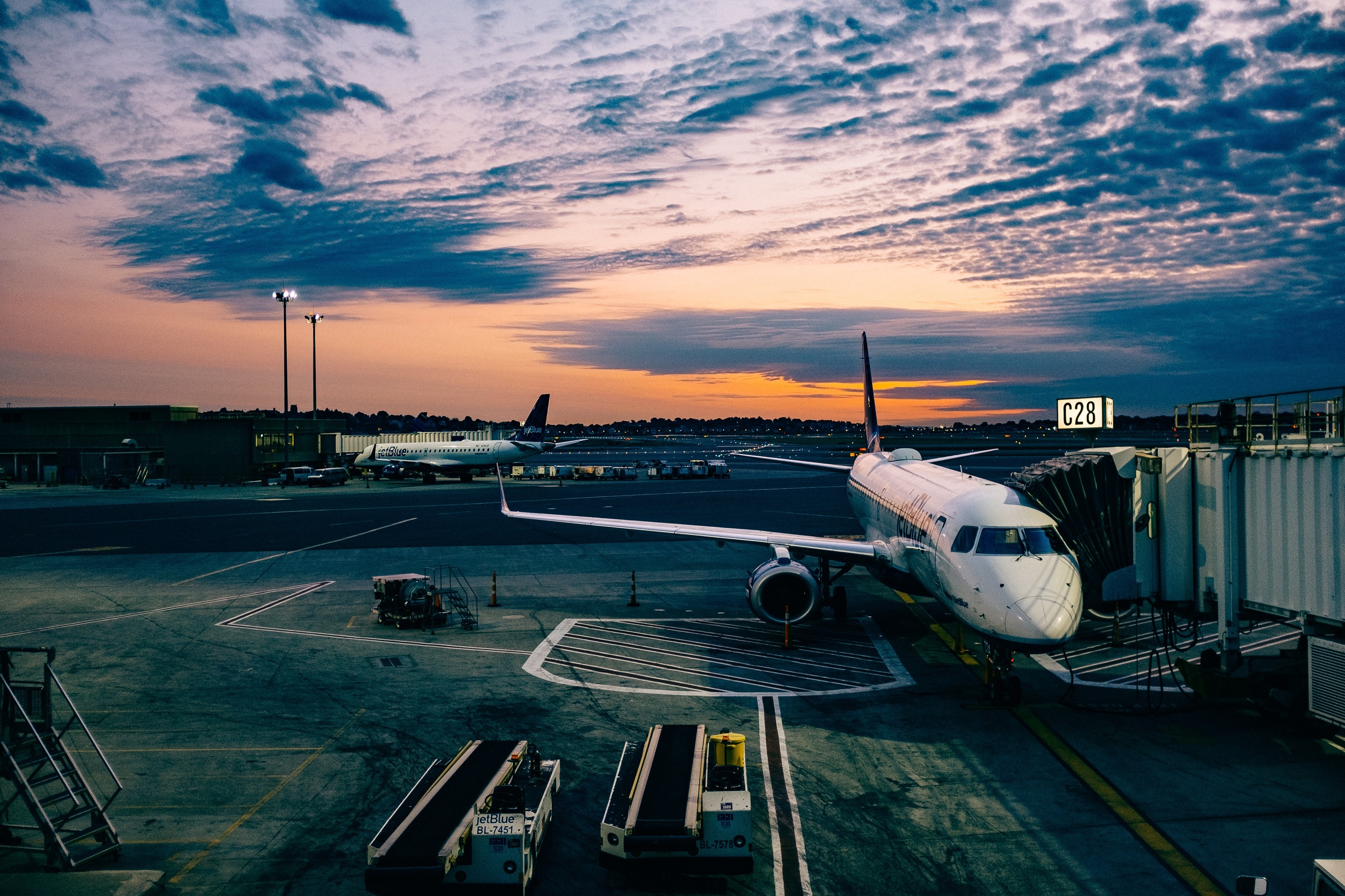 Tricks to book the cheapest airline tickets
